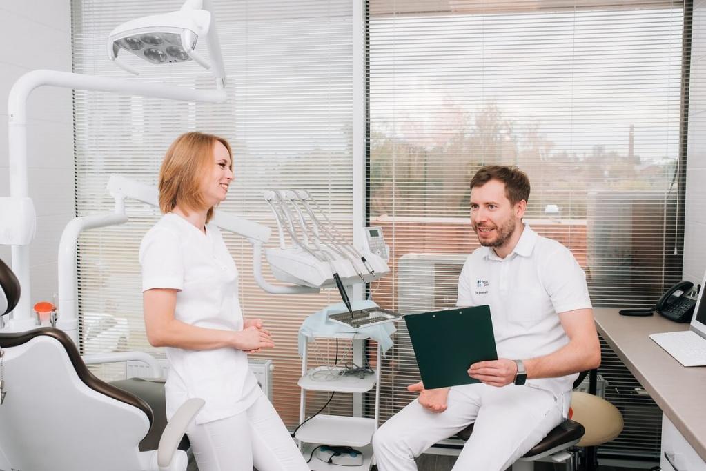 Профессиональная гигиена для сохранения здоровья десен